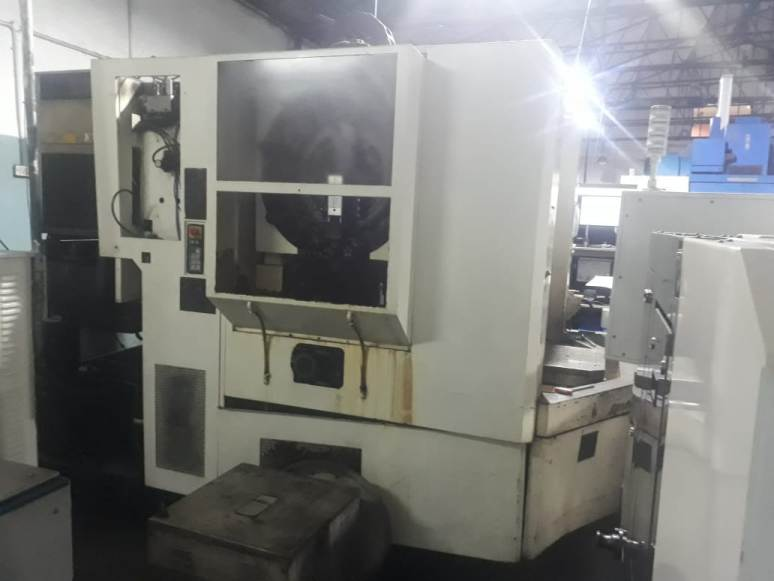 Makino VMC Machine Twin Pallet
