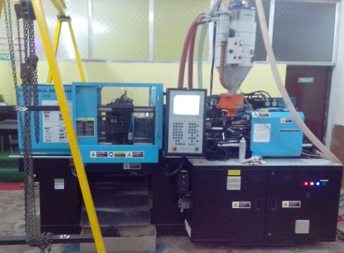 Toshiba Injection Moulding Machine 60 Ton