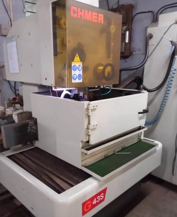 used-edm-wire-cutting-machine-2