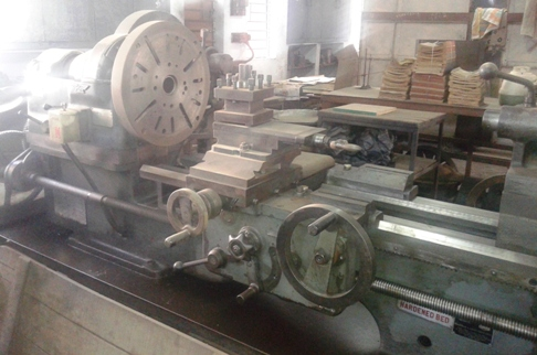 Used Kirloskar Lathe Machine 6 Feet