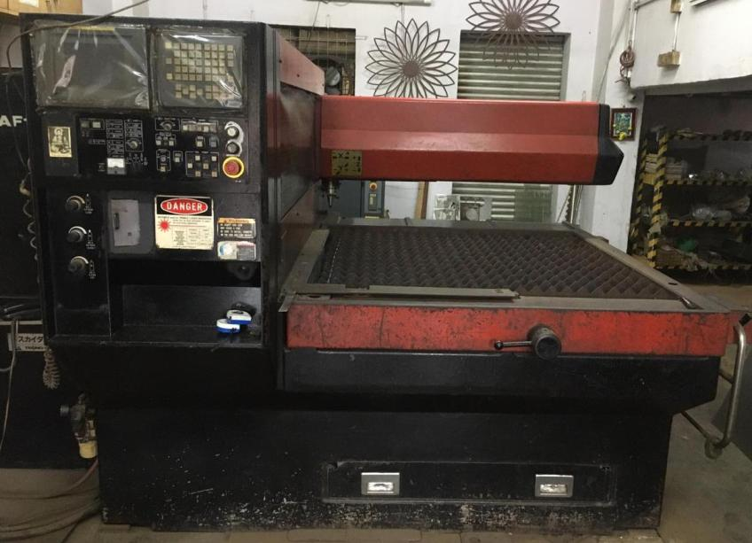 Laser Metal Cutting Machine Amada Quattro 1 KW