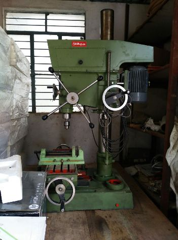 Siddhapura Vertical Drilling Milling Machine 6DMU