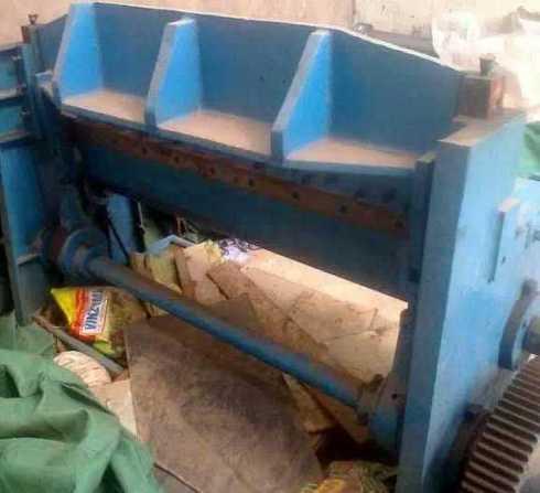 Mechanical Shearing Machine 4 Feet