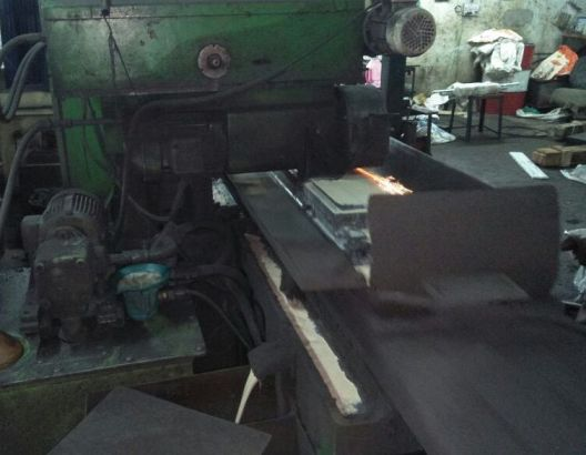 used-surface-grinding-machine-