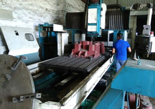 used-vertical-machining-center-sale-